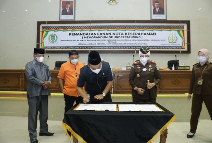 DPRD Inhil Tandatangani Nota Kesepahaman Bersama Kejaksaan Negeri