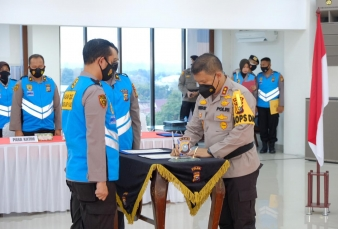 Pastikan Rekruitmen Dengan Prinsip Bersih, Transparan Dan Humanis, Panitia Dan Peserta Tanda Tangani Pakta Integritas dihadapan Kapolda Riau