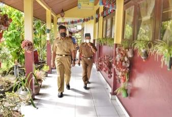 Asisten Pemerintahan Pimpin Tim Penilaian Sekolah Sehat Di Tiga Kecamatan